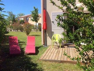Superbe pied à terre dans résidence Piscines sécurisée - Aubignan vacation rentals
