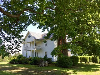 Riverview Plantation On The James - Gladstone vacation rentals