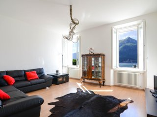 MERAVIGLIA - Deluxe Apartment with Lake View - Bellagio vacation rentals