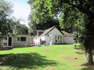 2 bedroom House with Television in Bonnybridge - Bonnybridge vacation rentals