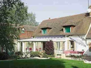 Nice House with Washing Machine and Television - Saint-Mars-d'Outille vacation rentals