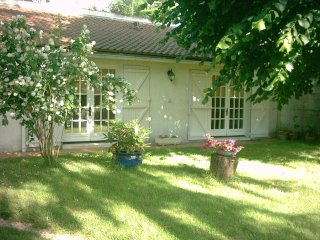 Rural Gite in Malesherbes, at Genevieve's place - Malesherbes vacation rentals