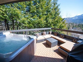 Ironwood 101 - Deluxe Blueberry Condo with Private Hot Tub and Mountain Views - Whistler vacation rentals