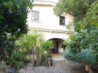 Vacation in Corleone - Villa immersa nel verde di Chiosi con vista. - Corleone vacation rentals
