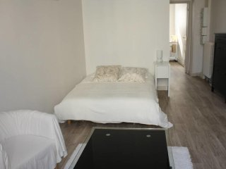 W035 - Studio in the heart of Fontainebleau - Fontainebleau vacation rentals
