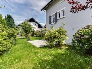 W054 - 5 bedroom Villa with garden - Annecy-le-Vieux vacation rentals