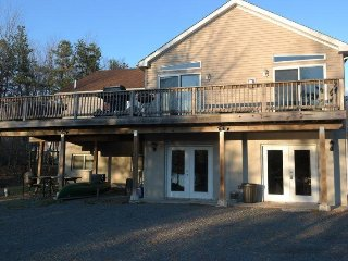LAKEFRONT!! Located in Brier Crest Woods 7 Bedroom Sleeps 24 - Iola vacation rentals