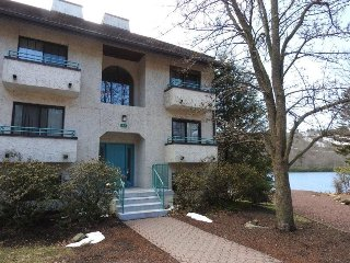 Lakefront Penthouse Condo For Rent in Lake Harmony - Union vacation rentals