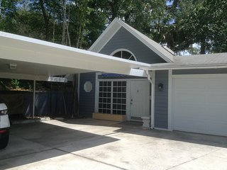 Clermont Guesthouse with lake access near NTC and Downtown Clermont - Clermont vacation rentals