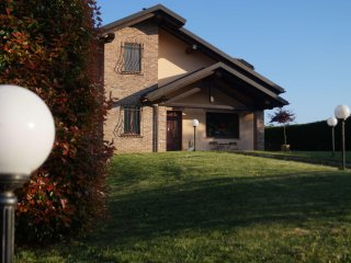2 bedroom Bed and Breakfast with Internet Access in Pecetto Torinese - Pecetto Torinese vacation rentals