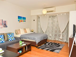 Studio Room In Makati - with high speed internet - Makati vacation rentals