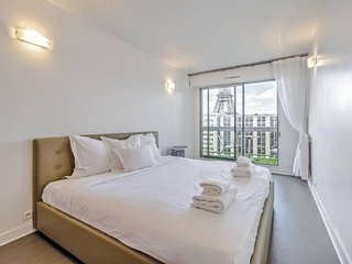 Big apartment for 10 persons near Eiffel Tower ! - Paris vacation rentals