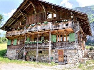 Chalet Les Croix - 5.5 pièces - Champéry vacation rentals