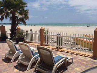 Steps from Door to Sand n Shore! Sunsets, Shelling, Boating, Fishing #2 - Redington Shores vacation rentals