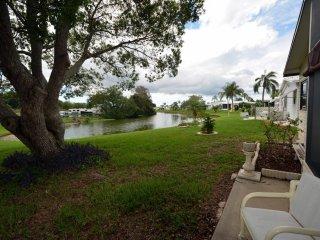 Spacious 2 Bedroom with Water View, 55+ Community - Ellenton vacation rentals
