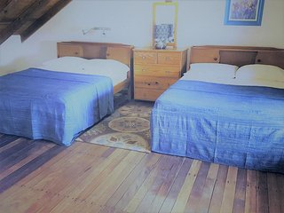 Bananaquit- Cosy Loft w/ kitchen close to beaches - Crown Point vacation rentals