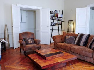 Standing Apartment - Heart of the city - Nantes vacation rentals