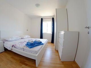 White Beauty luxury apt., center Stari Grad, Hvar - Stari Grad vacation rentals