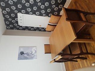 2 bedroom House with Internet Access in Droylsden - Droylsden vacation rentals