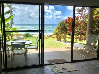 516 Lae Nani Wailua BEACHFRONT luxury 2BR just 25 steps to sand, new remodel - Kapaa vacation rentals