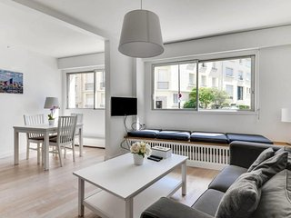 W065 - Charming F2 in the heart of Paris 16 - Paris vacation rentals