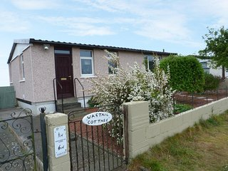 WAGTAIL COTTAGE, charming single storey, hot tub, near Castle Douglas - Southerness vacation rentals