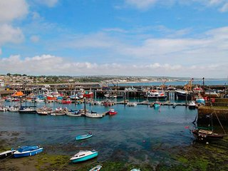 THURSO COTTAGE granite traditional cottage in the heart of Newlyn - Newlyn vacation rentals