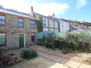 FAIRSANDS, traditional cottage, enclosed suntrap garden, paces from sandy - Portreath vacation rentals