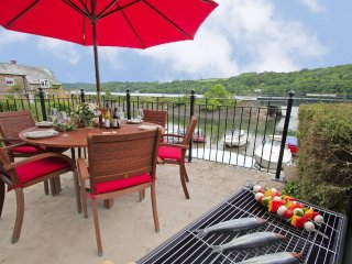 TIME AND TIDES waterfront house, three en-suites, estuary views, WiFi, near - Golant vacation rentals