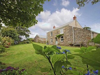 BOLENOWE FARM, renovated farmhouse, lawned garden, wood burner, near Camborne - Troon vacation rentals