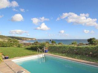 BEACH HOUSE bungalow north Praa Sands, outdoor swimming pool, en-suite, large - Praa Sands vacation rentals