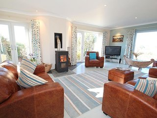CRACKINGTON VEAN  is a unique detached property sitting in beautiful grounds - Saint Gennys vacation rentals