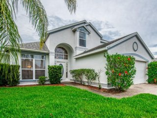 Lovely 4 bedroom 2.5 bath home with private pool 7 miles from Disney from $123nt - Orlando vacation rentals