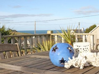 BETHANY BAY VIEW spacious bungalow, large garden with decked terrace, short - Holywell vacation rentals