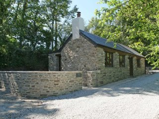 TREGYE COTTAGE private patio, woodburner, character beams, near Truro Ref xxxx - Feock vacation rentals