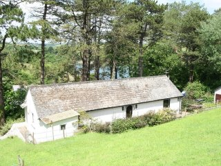 ST ANTHONY VIEW, comfortable, single-story holiday home with river views in the - Gillan vacation rentals