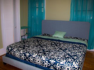 The LedderHouse3 -King Size bed/2 Bath near city/Beach W/Free Parking - Boston vacation rentals