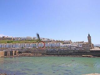 THE HAVEN, harbourside home in Porthleven, seaward facing terrace, shops - Helston vacation rentals