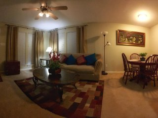 Lovely & Cozy Cottage w/ Keyless code entry - Fort Worth vacation rentals