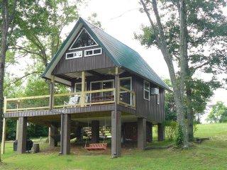 Sunrise Mountain Tree House Cabin - Altamont vacation rentals