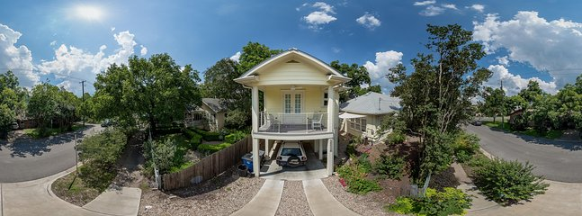 Bird's eye view of Gallery House from the driveway. - Gallery House Studio Apartment - Austin - rentals