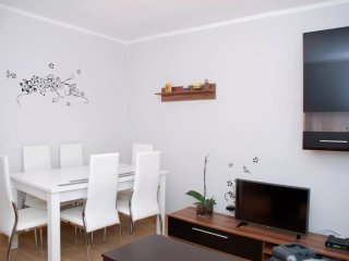Apartment with 3 bedrooms in León, with wonderful city view and WiFi - Leon vacation rentals