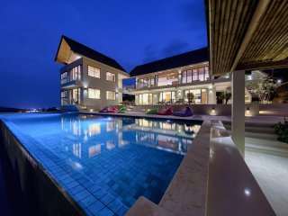 LUXURY ALL THE WAY - AMAZING VIEWS ! - Chaweng vacation rentals