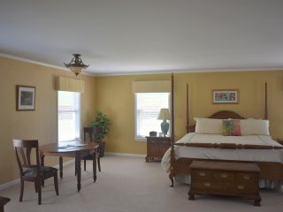 6 bedroom House with Tennis Court in West Baden Springs - West Baden Springs vacation rentals