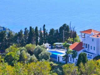 4 bedroom Villa with Deck in Glossa - Glossa vacation rentals
