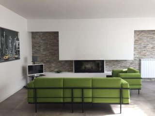 Spacious apt near the beach & Wifi - Torre a Mare vacation rentals
