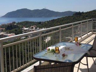 3 bedroom Apartment with Elevator Access in Palaio Tsifliki - Palaio Tsifliki vacation rentals