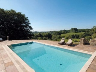 Lovely Bisley House rental with Wireless Internet - Bisley vacation rentals