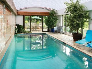 Comfortable House with Television and Private Indoor Pool - Banbury vacation rentals