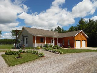 Perfect House with A/C and Television - Mikado vacation rentals
